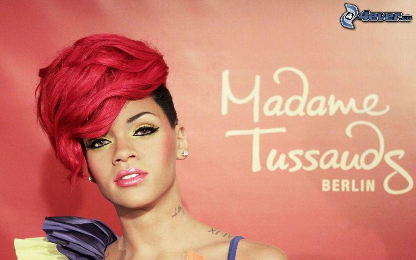 Rihanna, capelli rossi