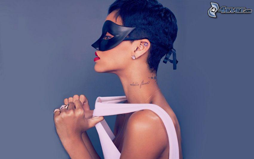 Rihanna, mascherina