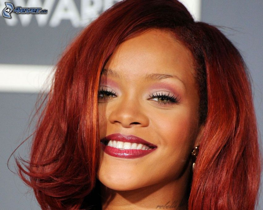 Rihanna, sorriso