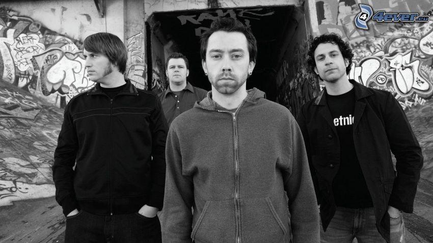 Rise Against, foto in bianco e nero