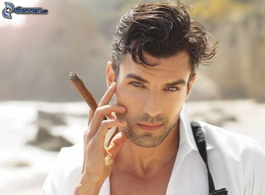 uomo, sigaro