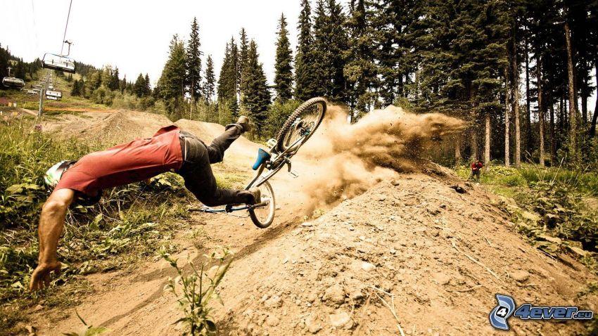 ciclista, caduta, incidente
