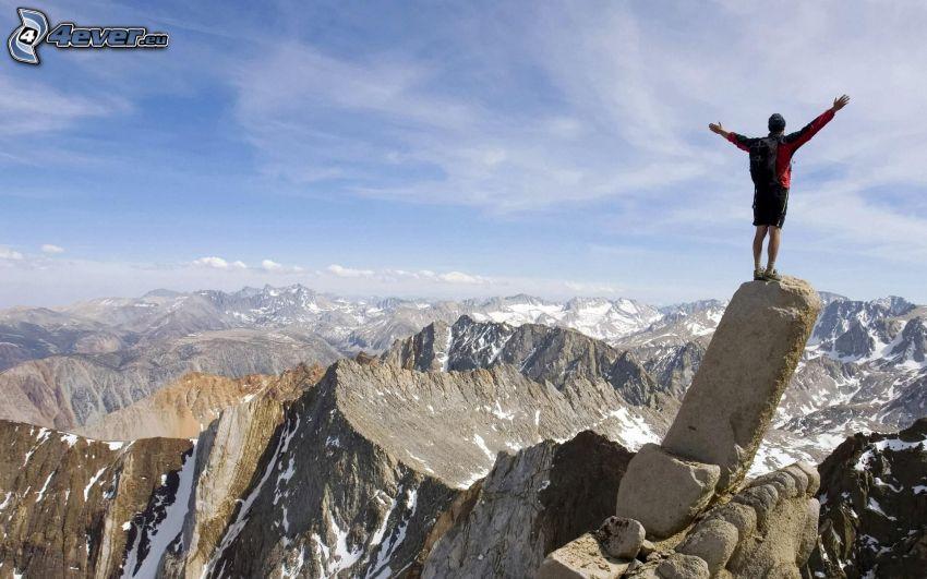 turista, roccia, montagne rocciose, vista alle montagne, neve
