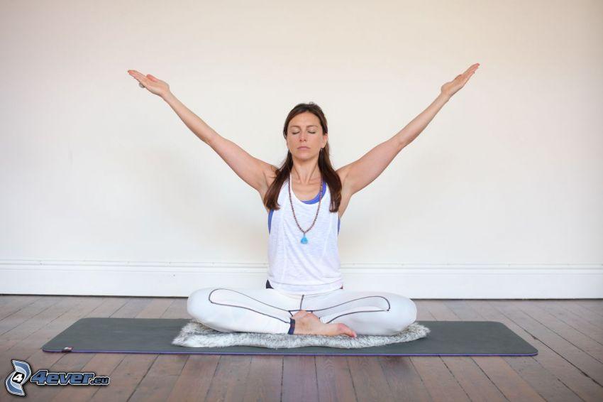 yoga, meditazione, seduta a gambe incrociate