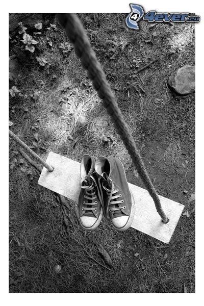 scarpe da ginnastica, altalena, corda