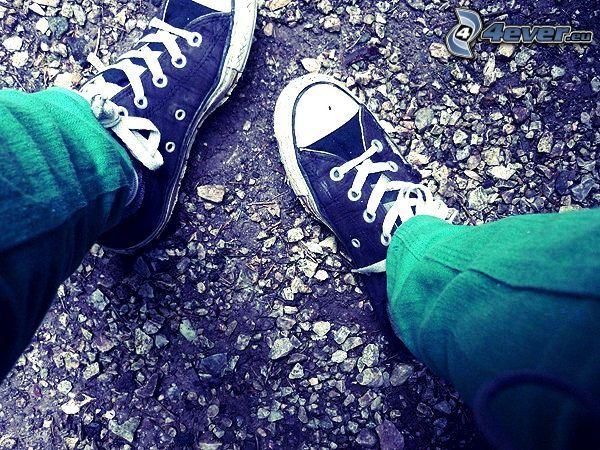 piede, scarpe da ginnastica, ghiaia