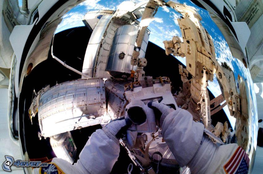 ISS sopra la Terra