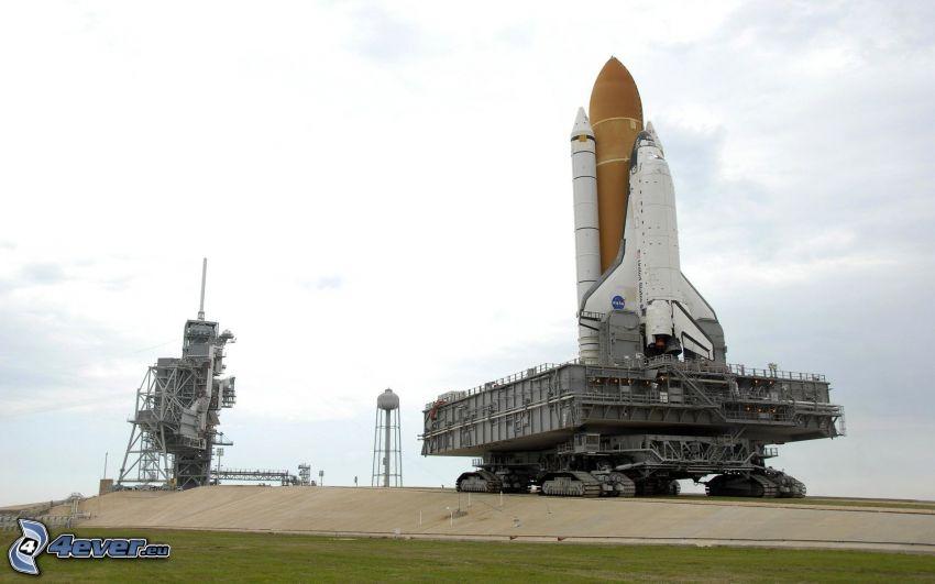 partenza di una navicella spaziale, rampa di lancio