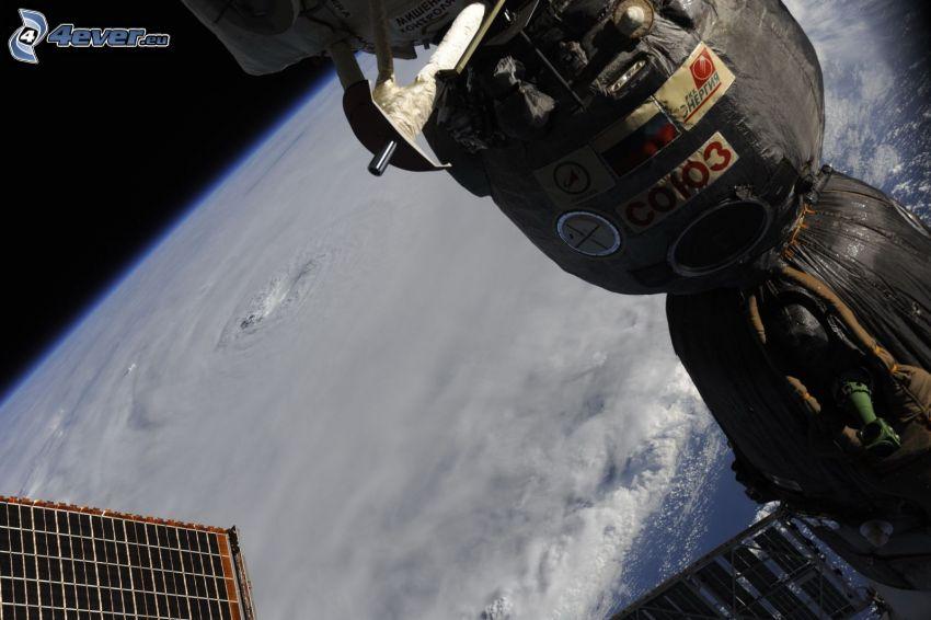 Sojuz, Stazione Spaziale Internazionale ISS, uragano