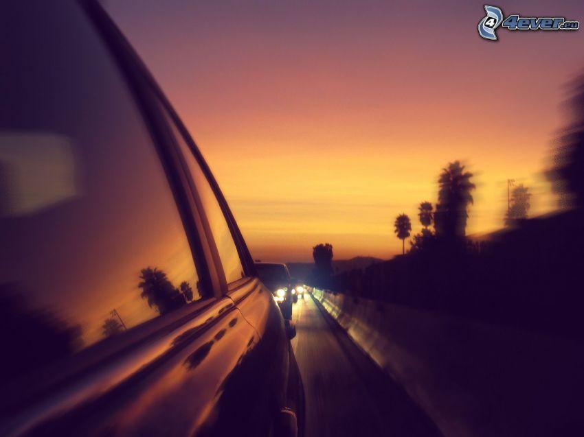 congestione stradale, autostrada di sera, auto