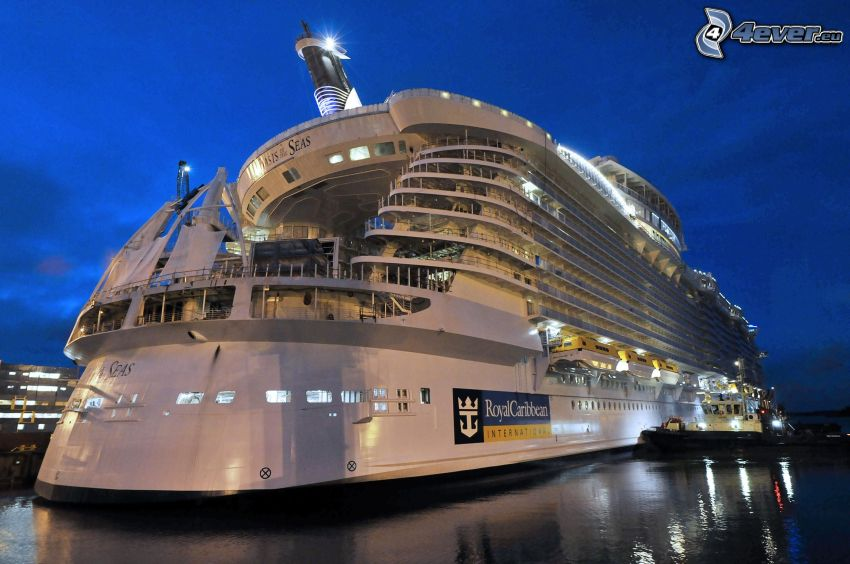 nave di lusso, notte
