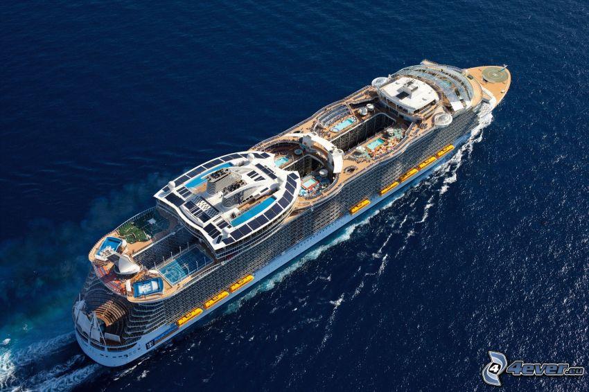 nave di lusso