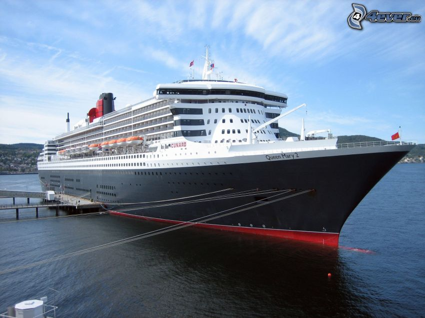 Queen Mary 2, nave di lusso, porto