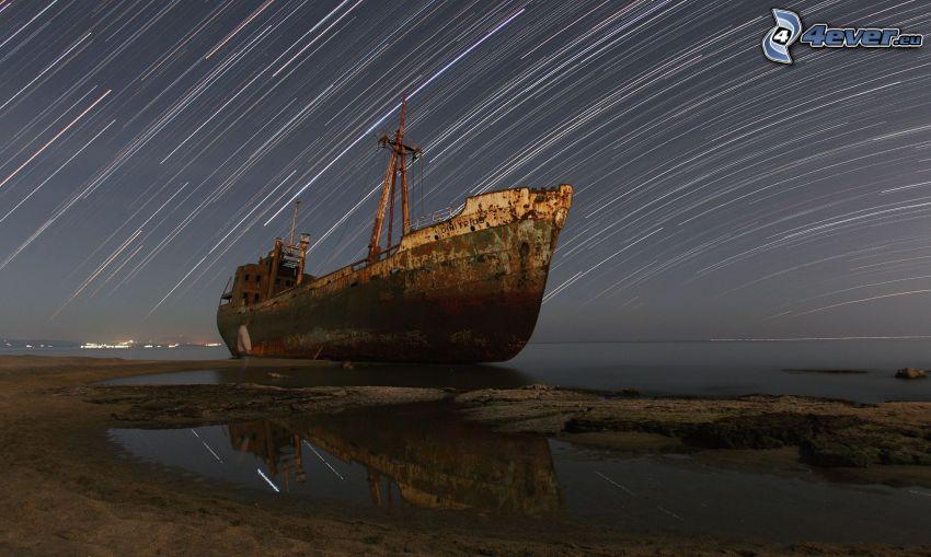 relitto, mare, cielo stellato, la rotazione della Terra