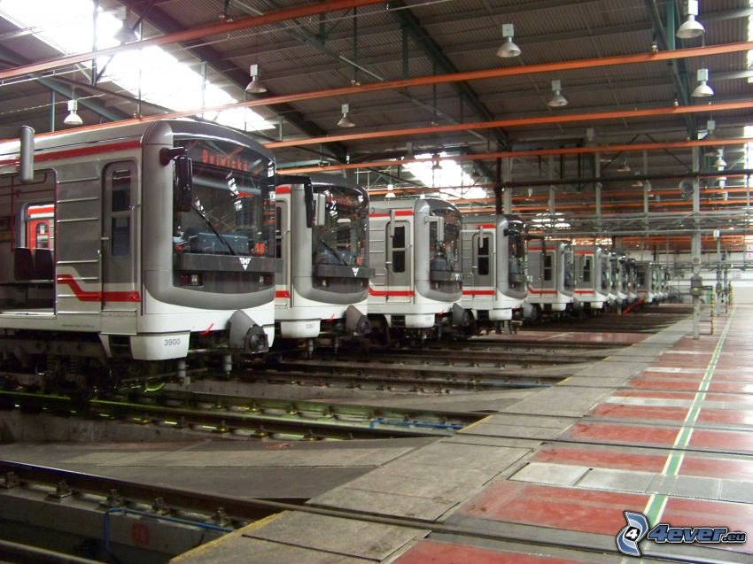 ferrovie depot, metro, Praga