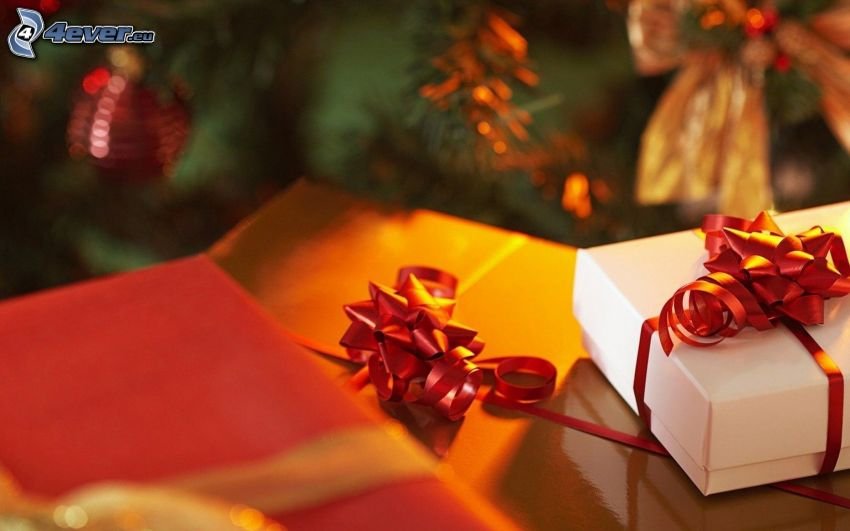 regali, albero di Natale