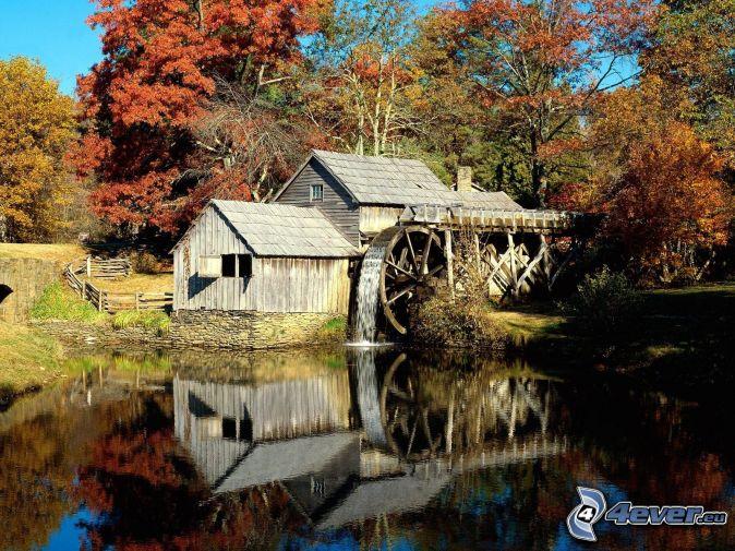 Mabry Mill, őszi fák, folyó, visszatükröződés