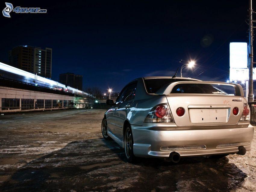 Lexus, éjszaka