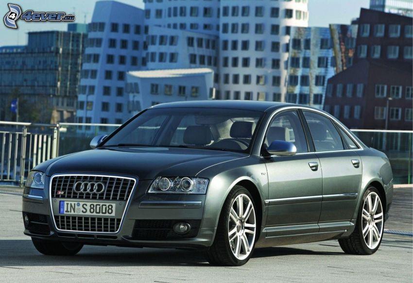 Audi S8, épületek