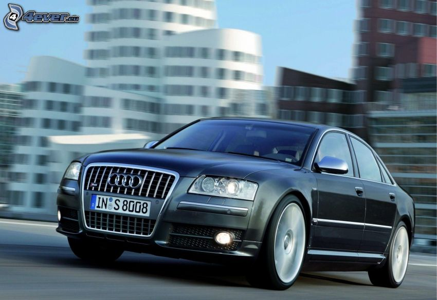 Audi S8, sebesség