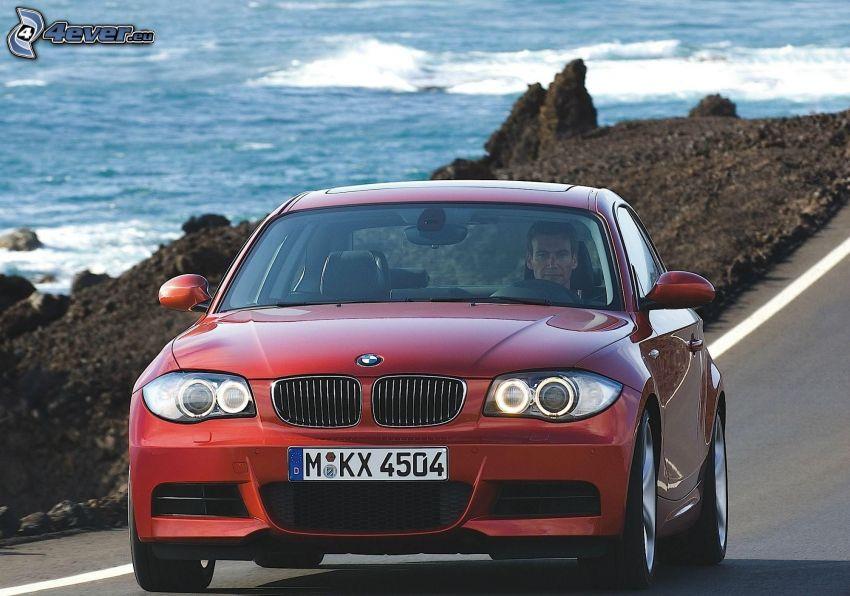 BMW 1, tengerpart