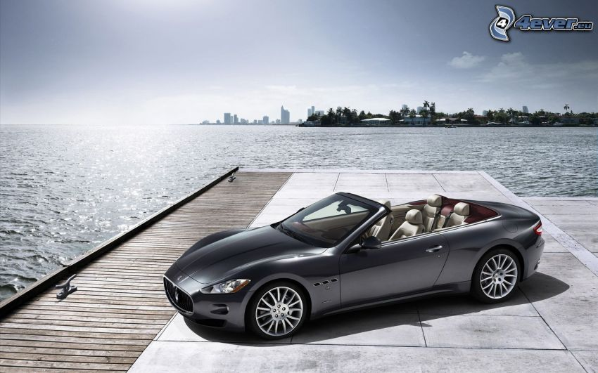 Maserati GranCabrio, kabrió, tenger