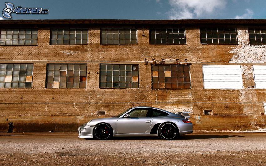 Porsche GT3R, régi épület