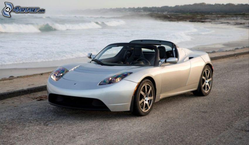 Tesla Roadster, kabrió, tengerpart, hullámok