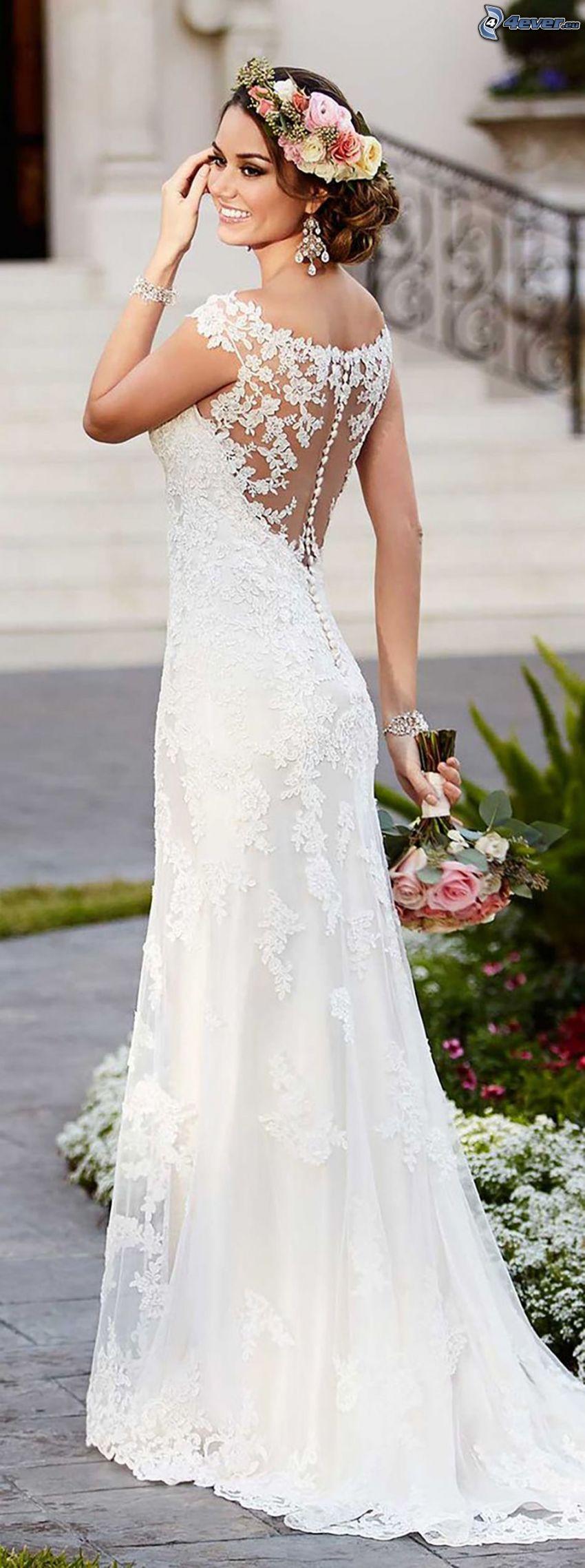esküvői ruha, menyasszony, esküvői csokor, fejpánt