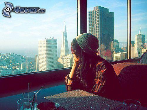 kilátás a városra, San Francisco, felhőkarcolók, lány, étterem, bar