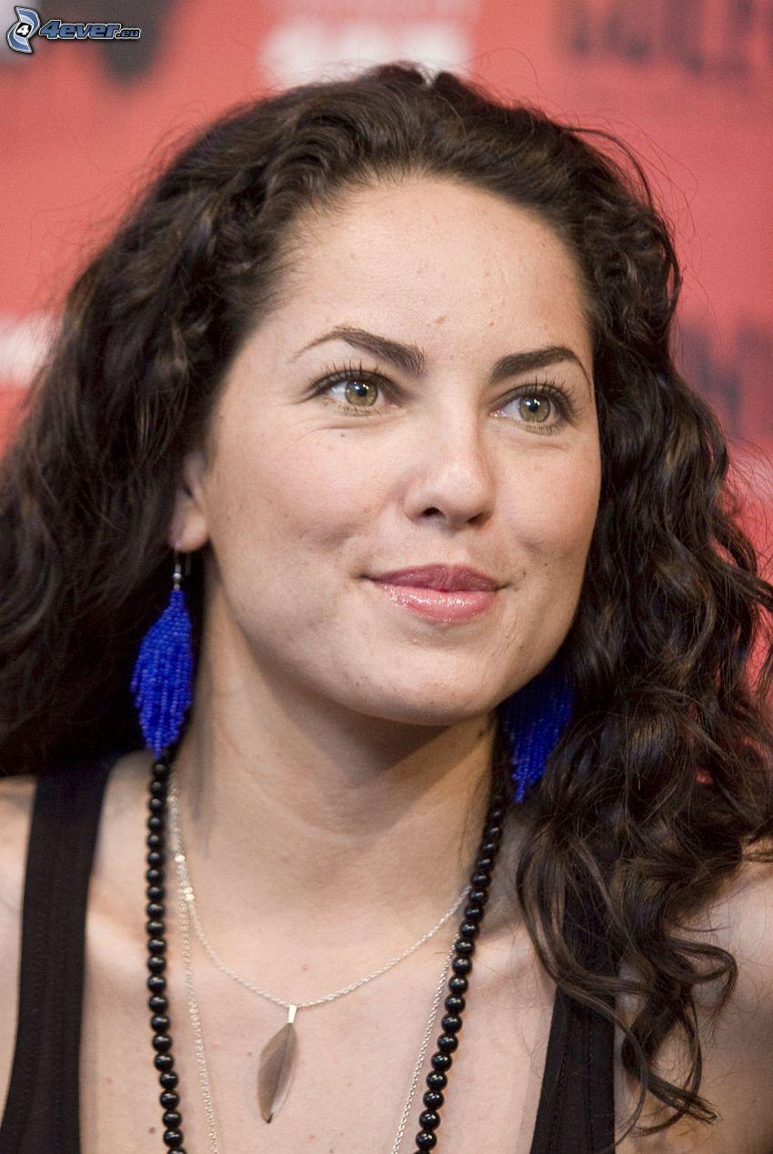 Barbara Mori, nyaklánc, fülbevaló