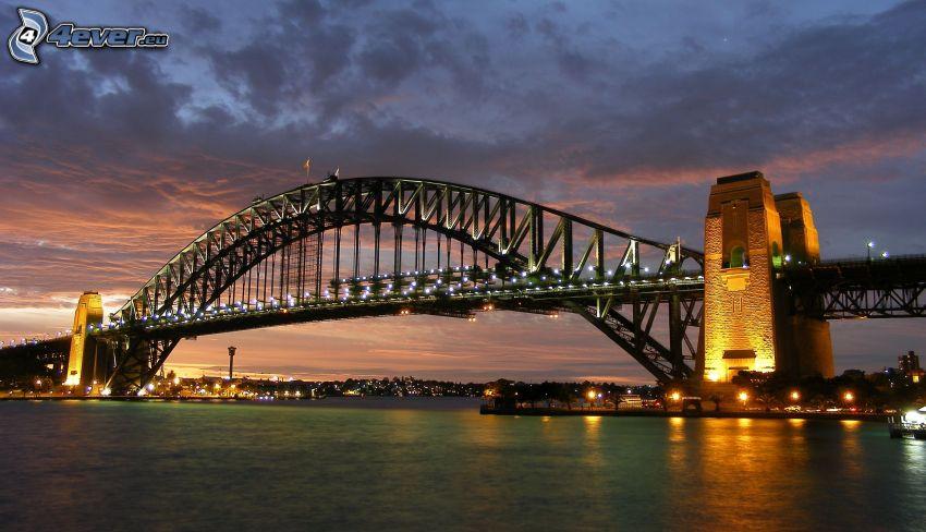 Auckland Harbour Bridge, kivilágított híd, este