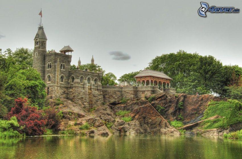Belvedere kastély, tó, szikla
