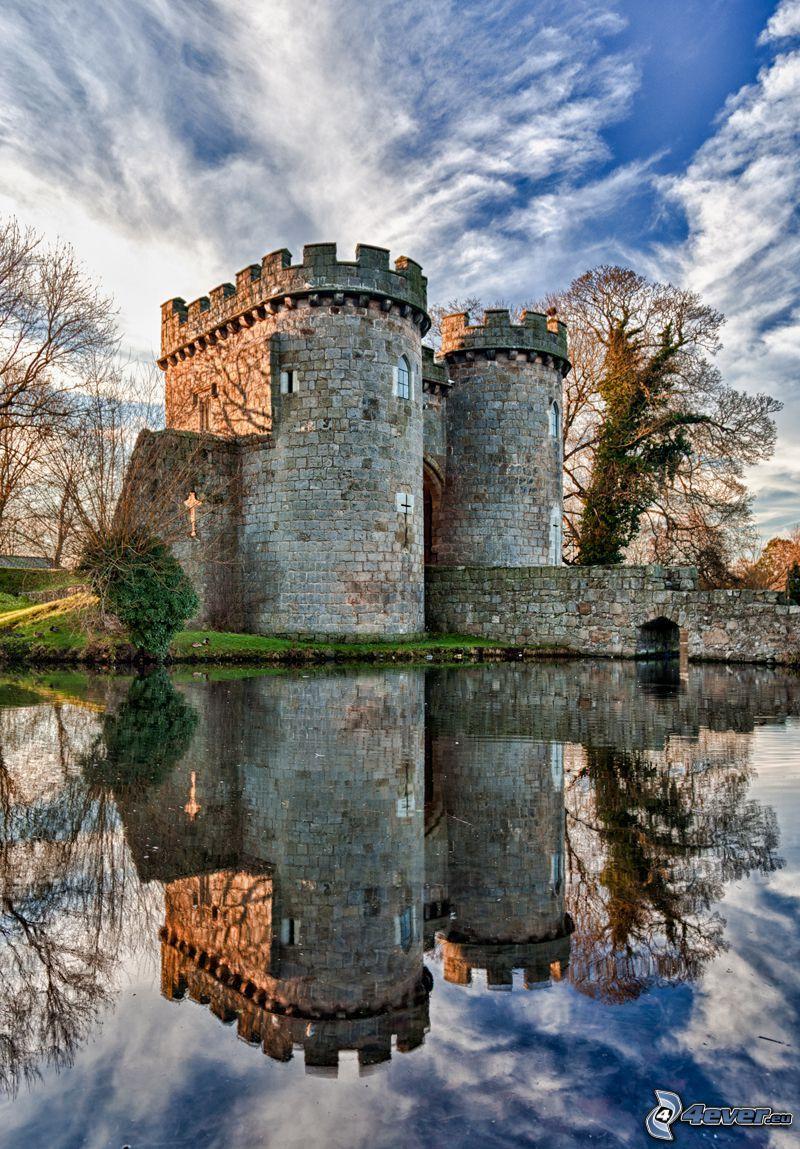 Ross kastély, folyó, visszatükröződés, HDR
