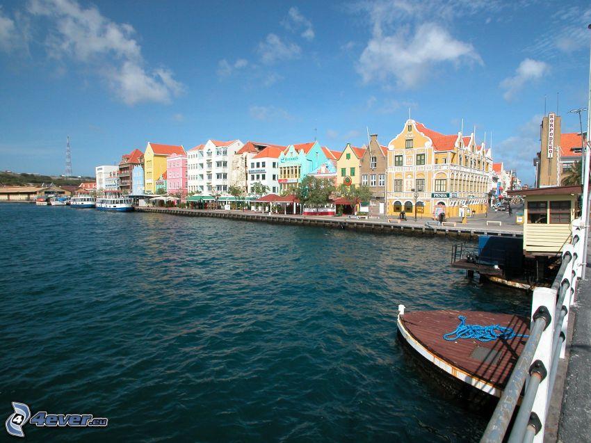 Curaçao, színes házak, kikötő