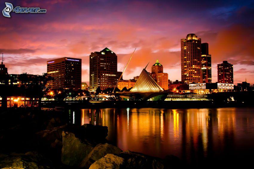 Milwaukee, éjszakai város, Milwaukee Art Museum, tenger, visszatükröződés