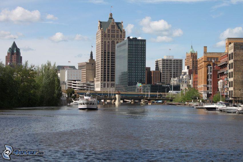 Milwaukee, felhőkarcolók, folyó, hajó