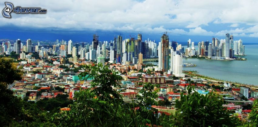 Panama, felhőkarcolók