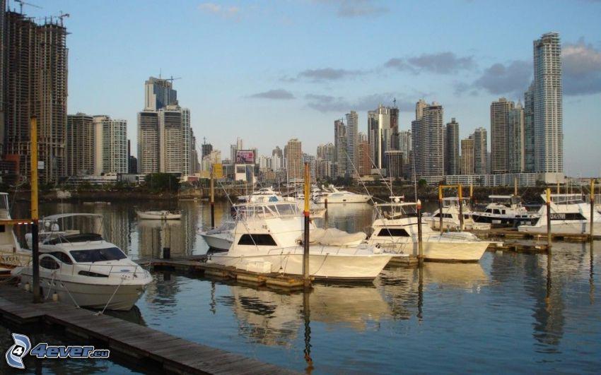 Panama, kikötő, hajók, felhőkarcolók