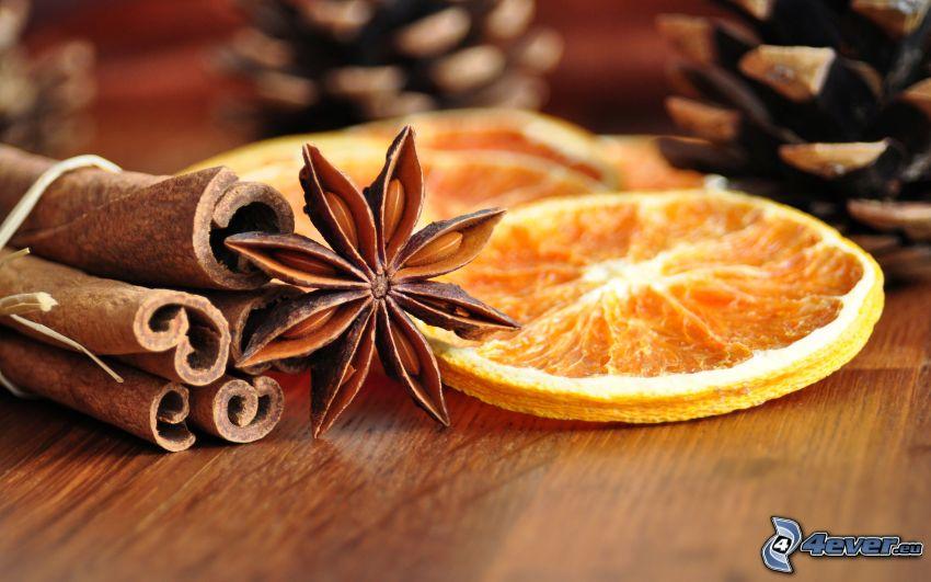 fahéj, Csillagánizs, szárított narancsok, tobozok