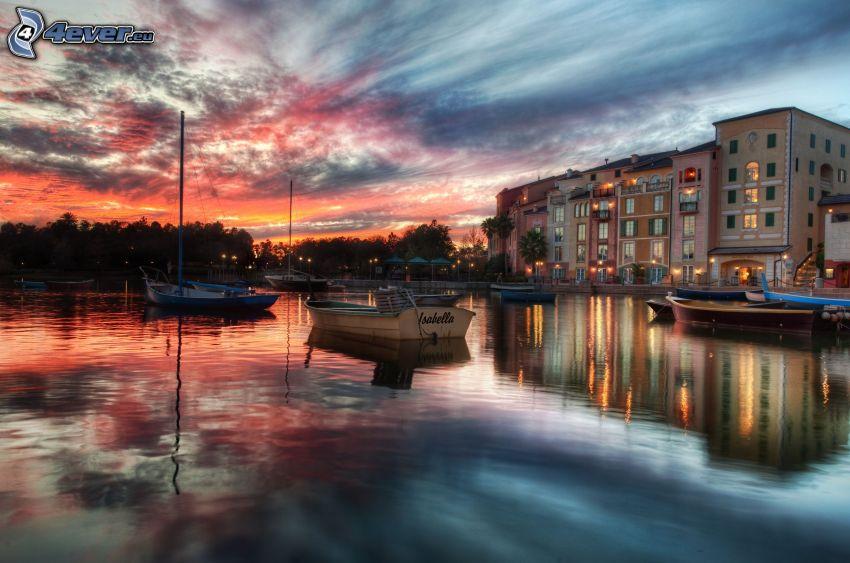 Portofino, jachtkikötő, hajók, naplemente, panelház