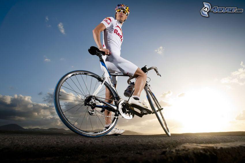 kerékpáros, tekintet