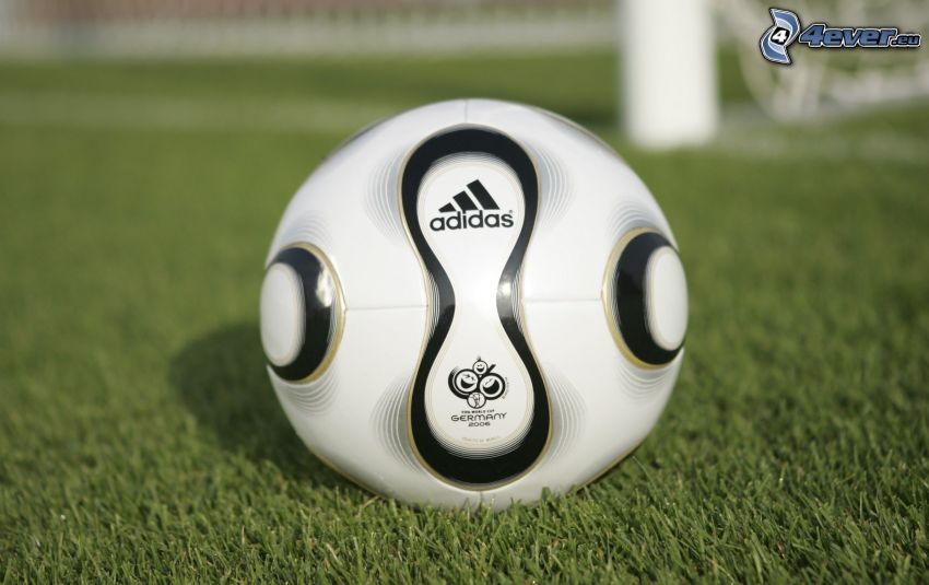 focilabda, Adidas