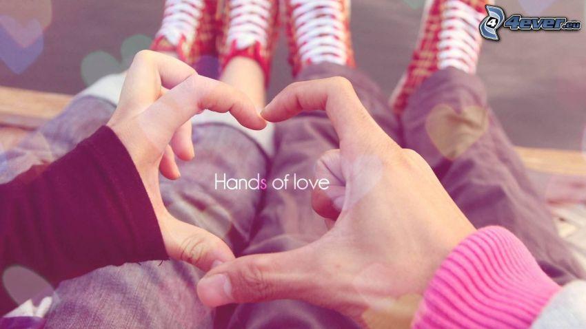 kézzel formázott szív