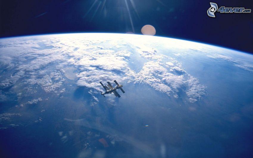 ISS a Föld körül