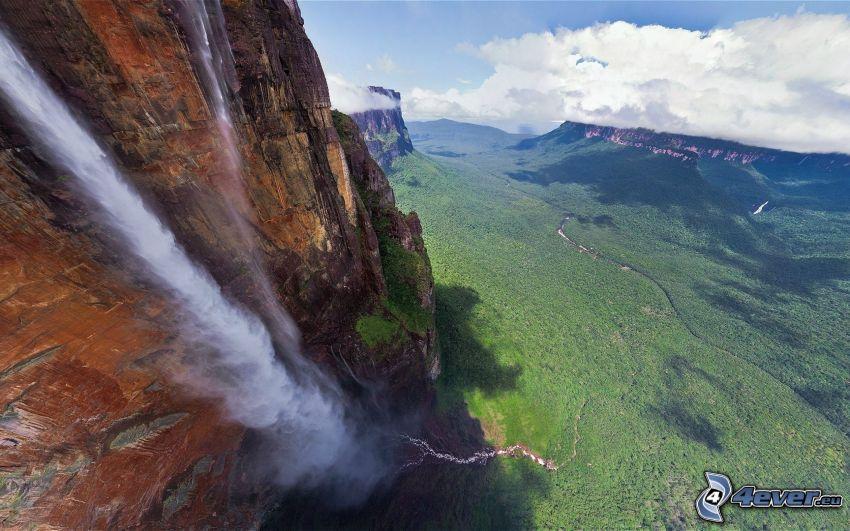 Angel-vízesés, kliff, erdő, felhők, Venezuela