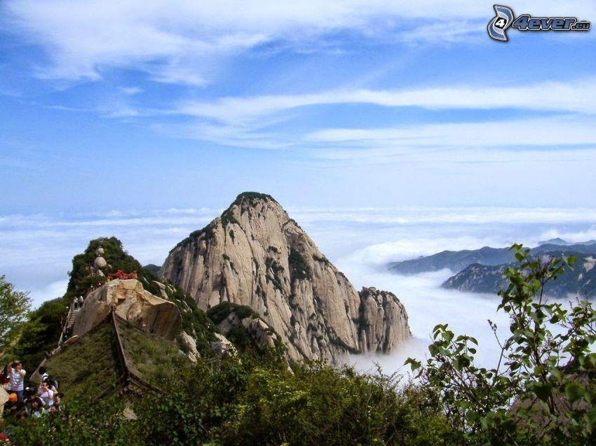 Mount Huang, sziklás hegységek, turisták, kilátás, felhők felett