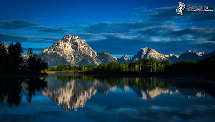 Mount Moran, Wyoming, tó, visszatükröződés, tűlevelű erdő, sziklás hegységek