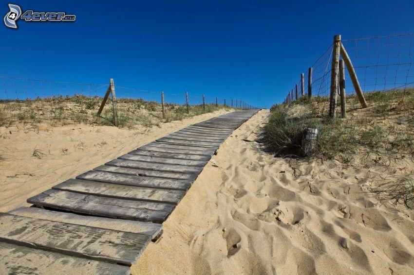 járda, deszkák, homok