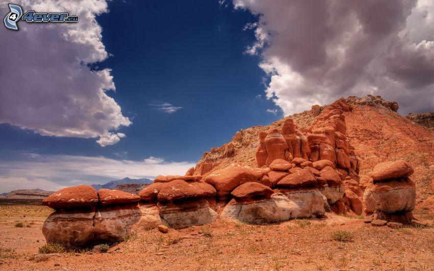 sivatagi sziklák, felhők